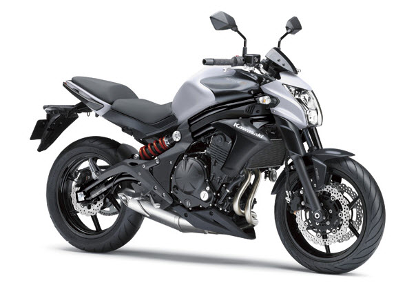 Kawasaki ER6N สีขาว Metallic