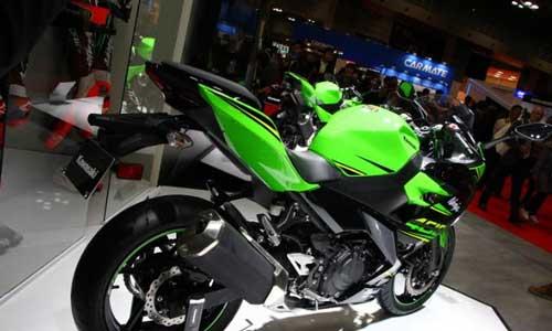All New Kawasaki Ninja400 เครื่องยนต์ 400 ซีซ๊ ส่วนท้ายใหม่