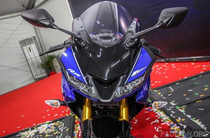 Yamaha R15 ภาพที่ 2
