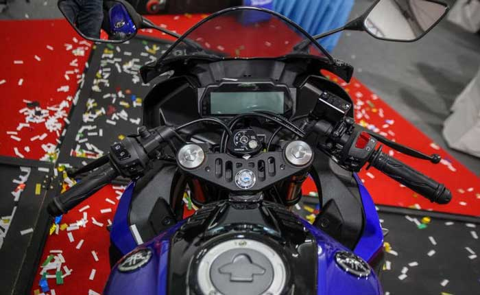 Yamaha R15 ภาพที่ 4