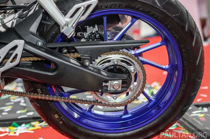 Yamaha R15 ภาพที่ 6