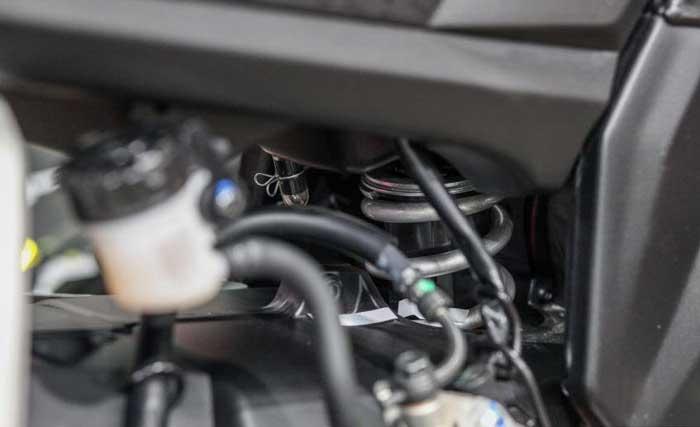 Yamaha R15 ภาพที่ 7