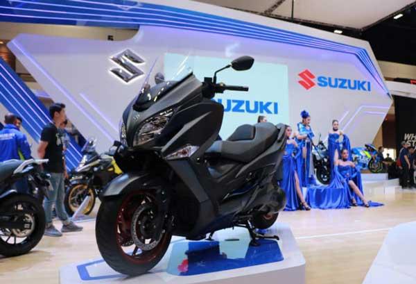 Suzuki Burgman 400 ABS อุปกรณ์เสริมในตัวรถ